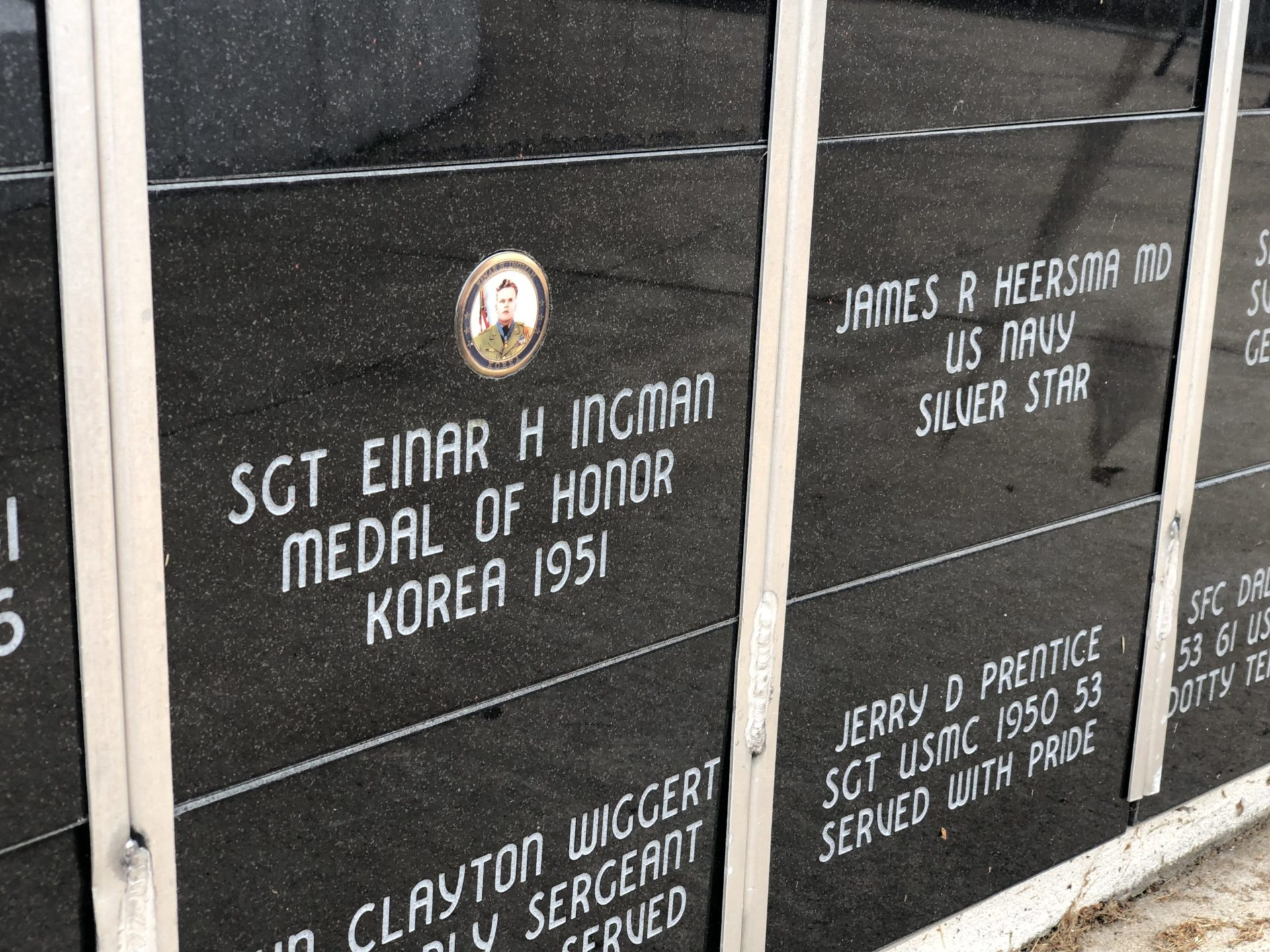 Korean War Memorials - Neillsville